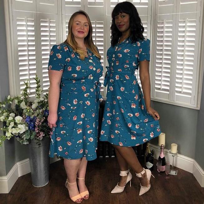 7602ebf40e063 Teal Floral 40s Style Tea Dress SIZE 8 - Elsie s Attic