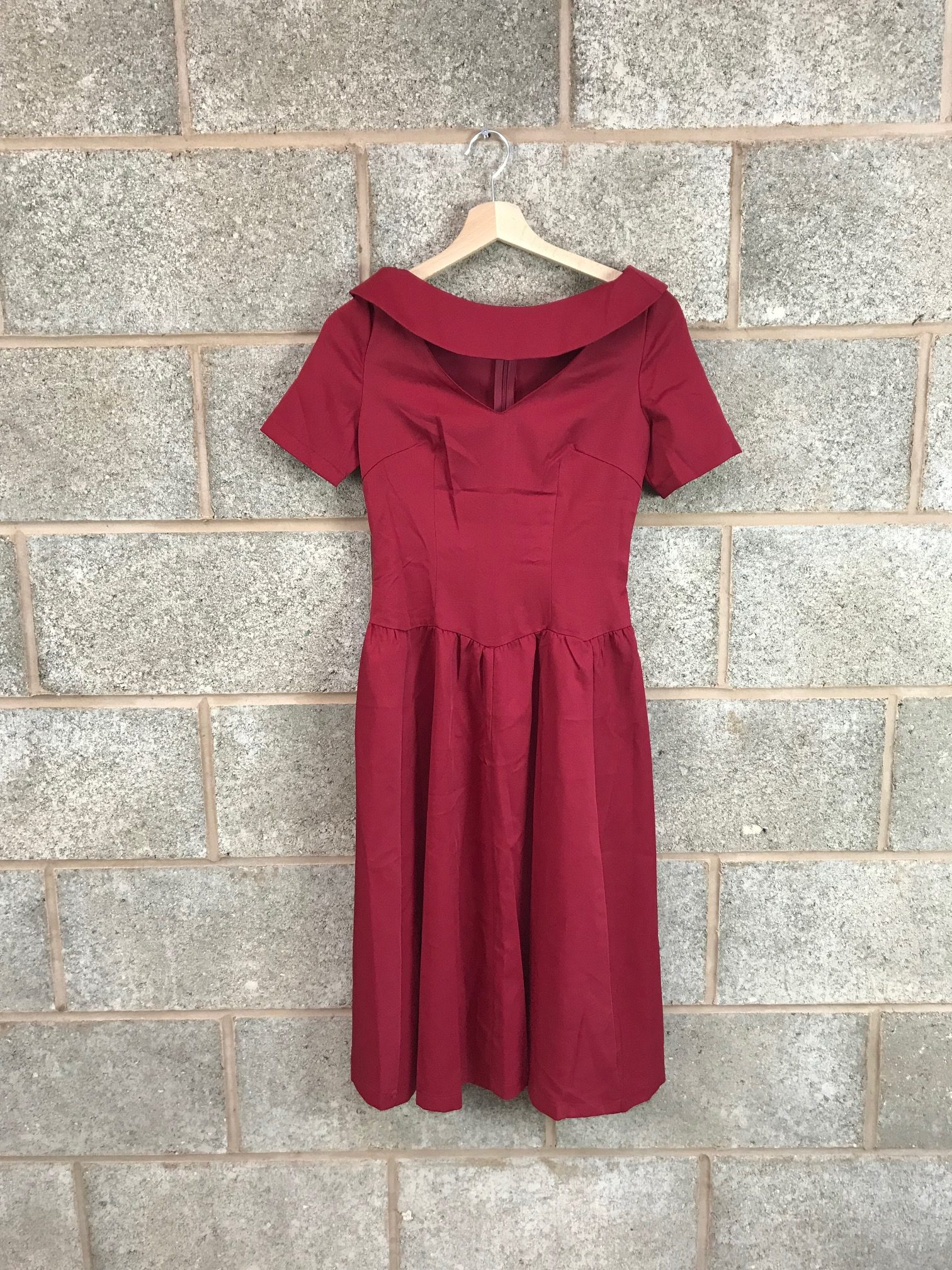 e216e3d13205e Wine Keyhole Swing Dress - SIZE 14 - Elsie s Attic